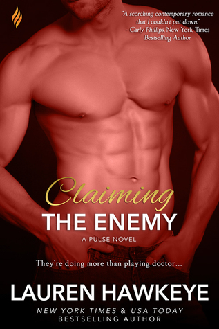 {Review} Claiming the Enemy by Lauren Hawkeye